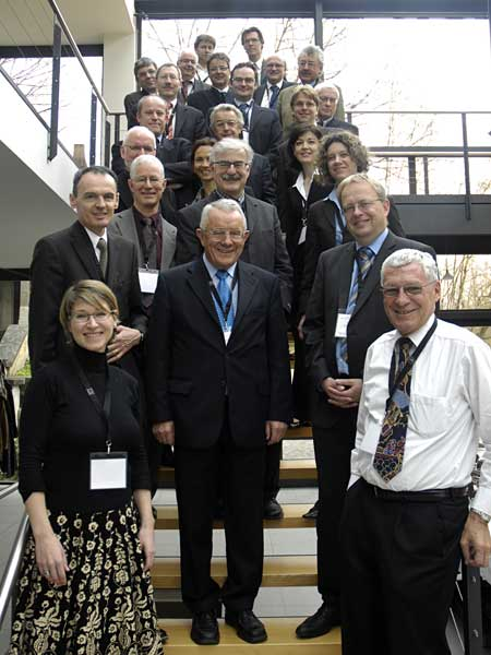 The participants of the Forum's Global Dialogue roundtable on intergovernmental relations in Switzerland