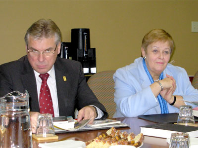 Members of the Austrian Federal Council recently engaged in discussions at the Forum of Federations offices. At left, Mr. Wolfgang Erlitz, M.P.President (speaker) of the Federal Council, at right, Mrs. Anna Elisabeth Haselbach, M.P., Vice-President of the Federal Council.