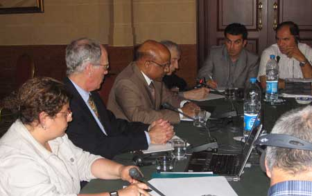 Indian Ambassador R. Dayakar (second from right) presents at the Forum course in Amman, Jordan. He is surrounded by federalism experts David Cameron (left) Richard Simeon (right) and Marie-Joelle Zahar (far left).
