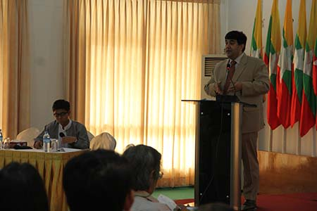 Rupak Chattopadhyay, President of the Forum talks to a group in Yangon at the Myanmar Peace Centre.