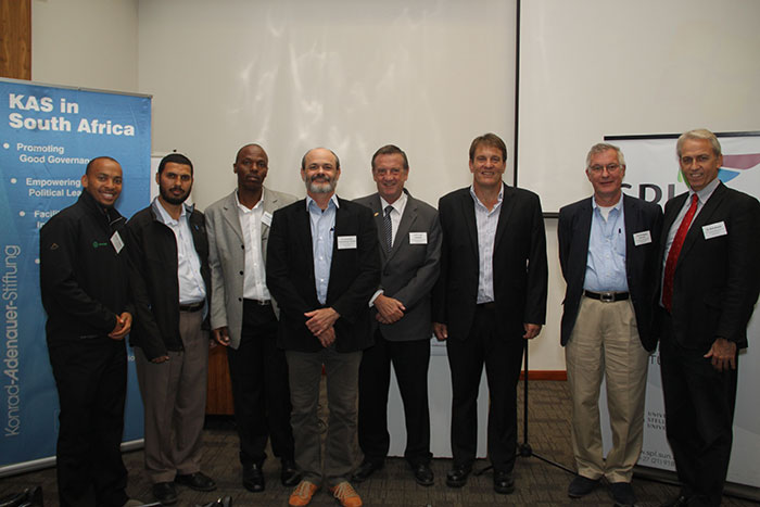 (ABOVE) Maloba Tshehla (GreenCape), Ghalieb Dawood (Financial and Fiscal Commission), Sabelo Mtantato (FFC), dr Constantino, Cronemberger Mendes, Prof Erwin Schwella (School of Public Leadership), Deon van der Westhuizen (School of Public Leadership), Prof Wolfgang Renzsch (University of Magdeburg), dr Dirk Brand (School of Public Leadership)