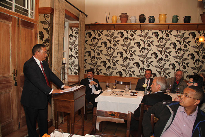 (Above) Minister Dr Ivan Meyer, Western Cape Minister of Finance, gives the dinner speech to the guests at the seminar.